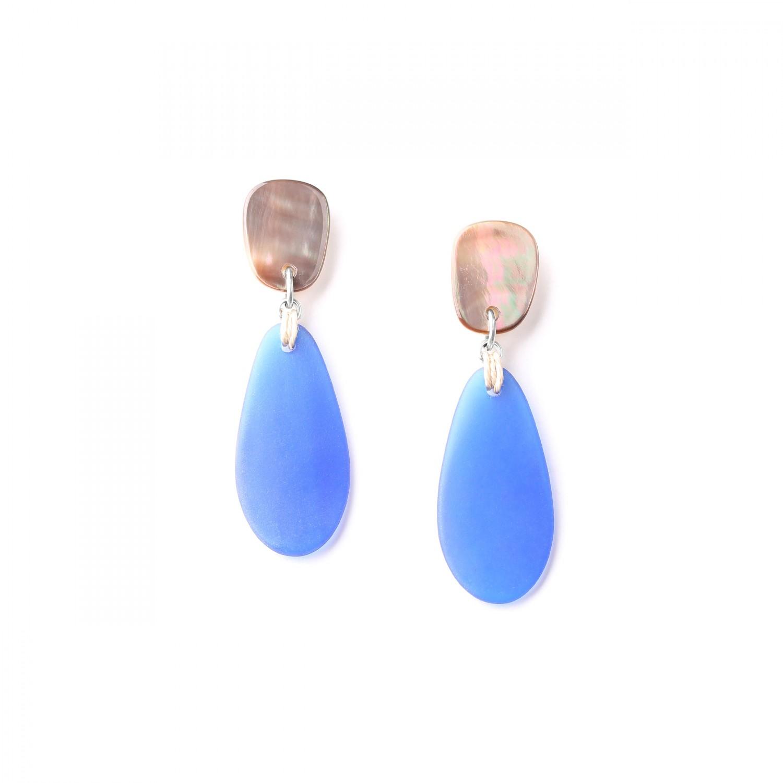 BELLE ILE blue seaglass ER w/blacklip top