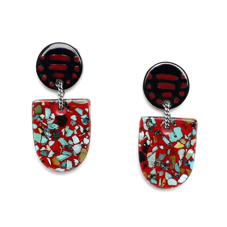 SAGARMATHA tongue cat earrings