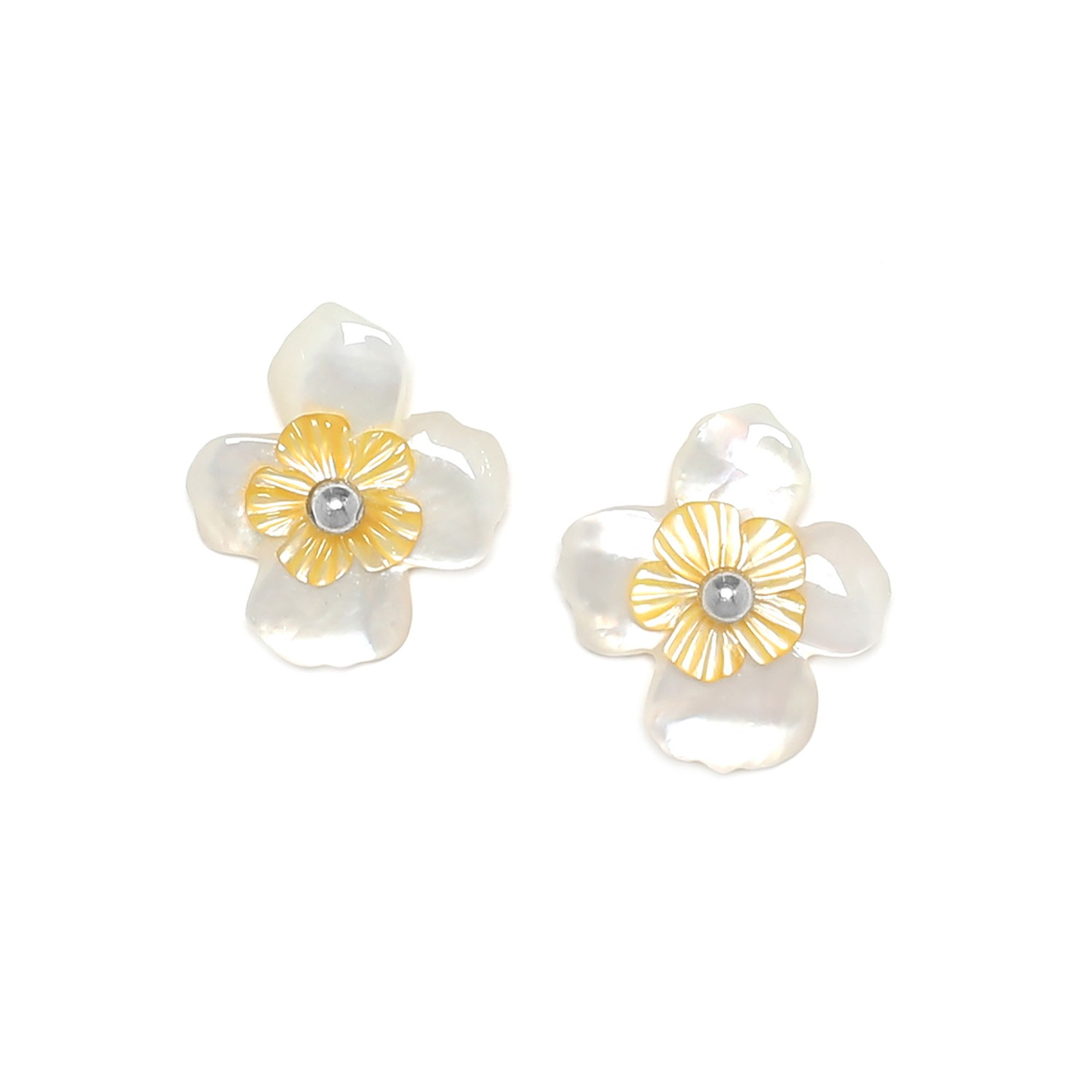 FLEURS DE NACRE white MoP post earrings