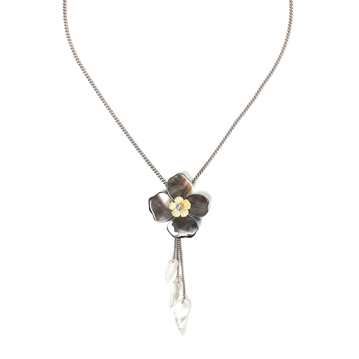 FLEURS DE NACRE blacklip necklace