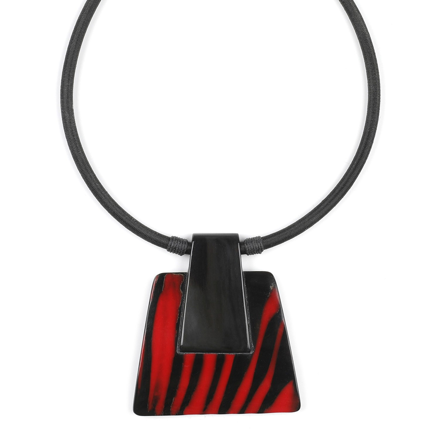 MAGMA big pendant necklace