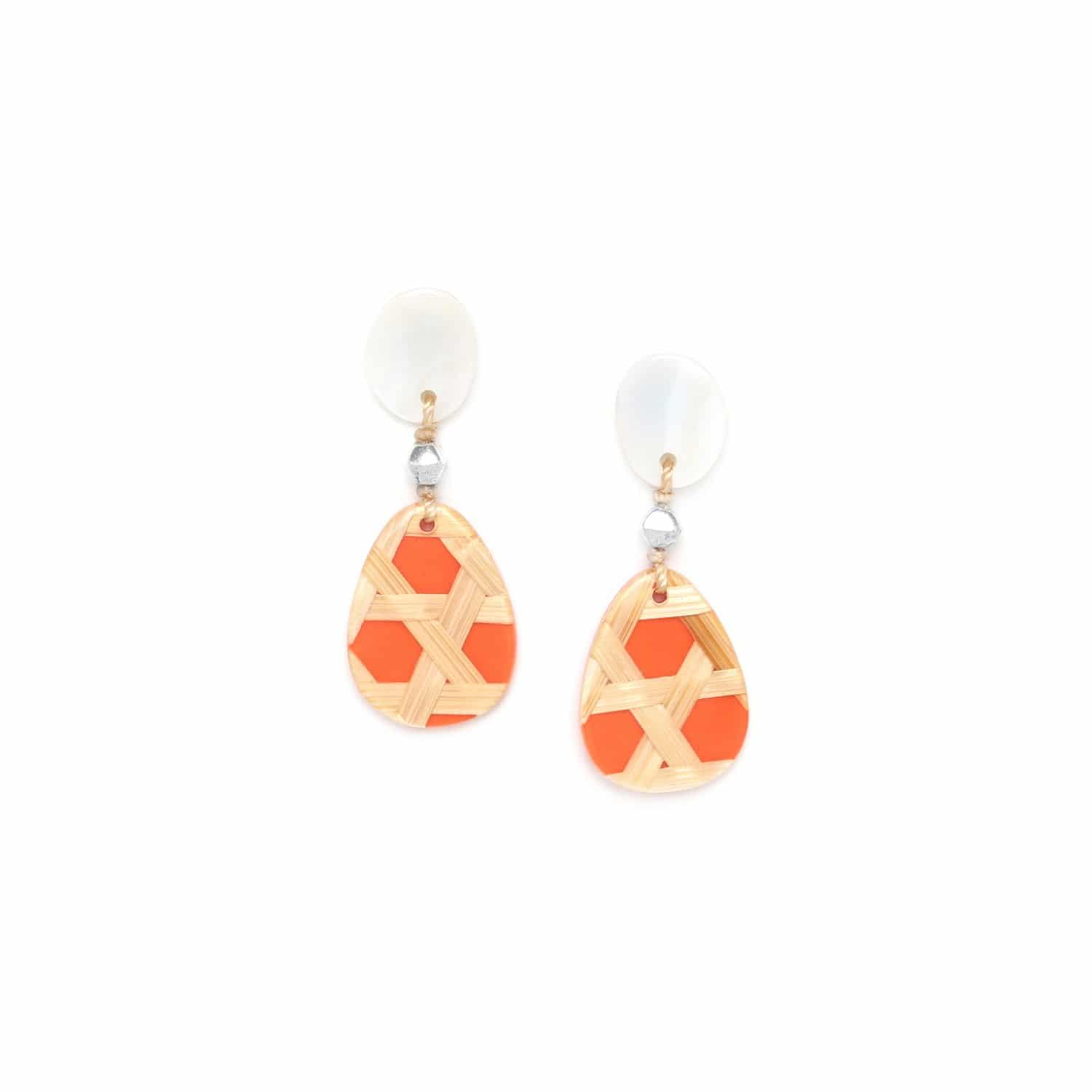 CANNAGE  small tangerine earrings with mother of pearl top