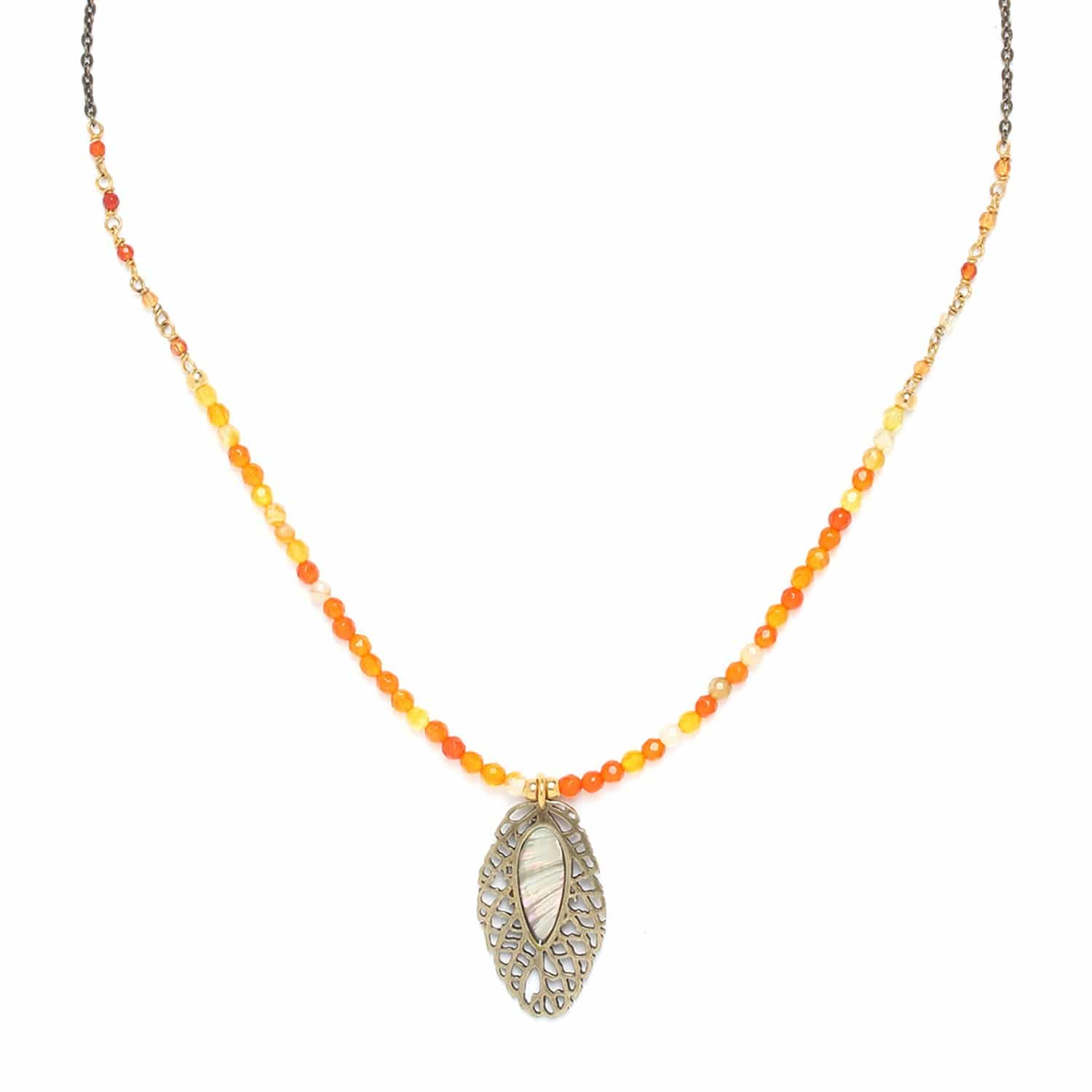 FITTONIA  agate necklace with small leaf