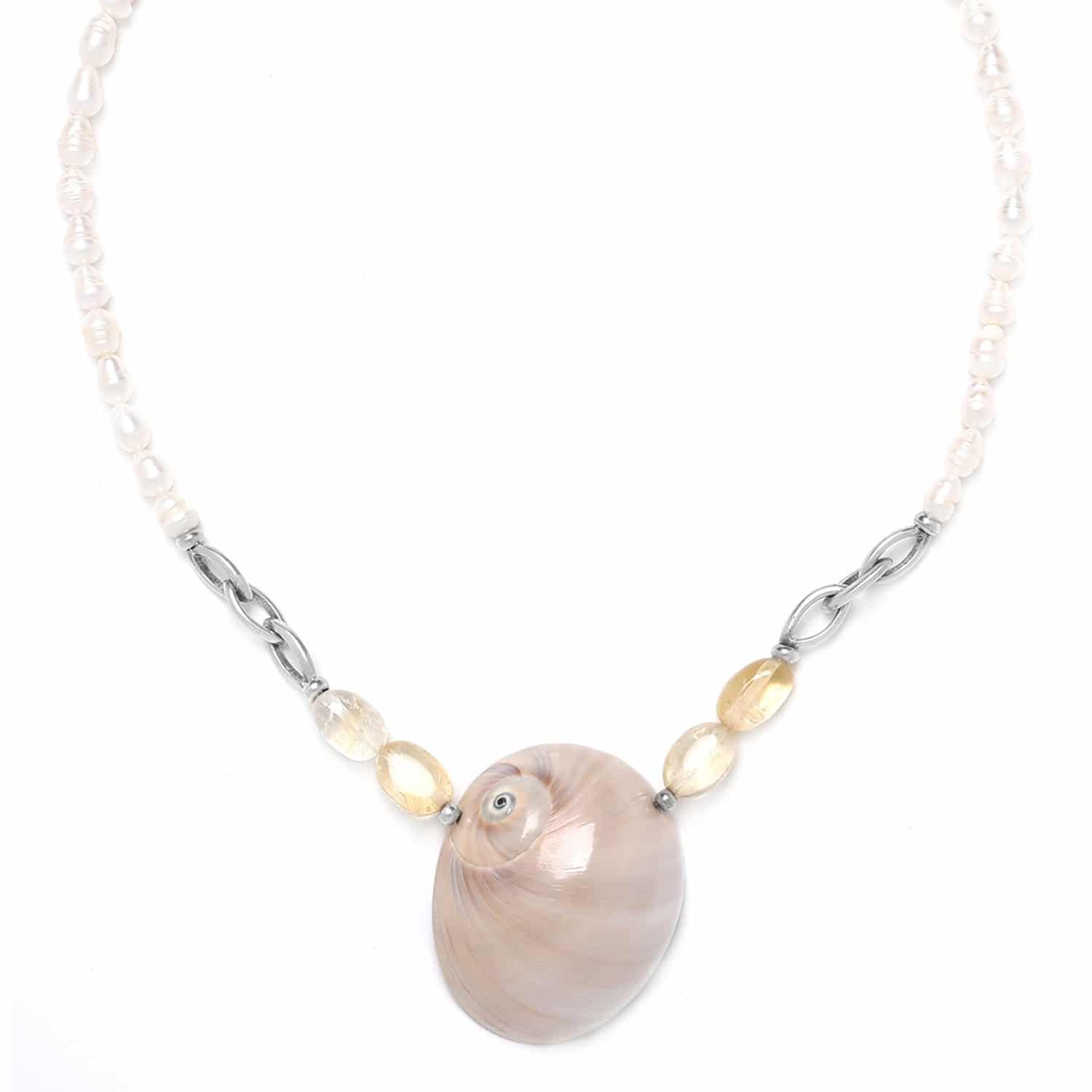 MAKATEA pearl necklace