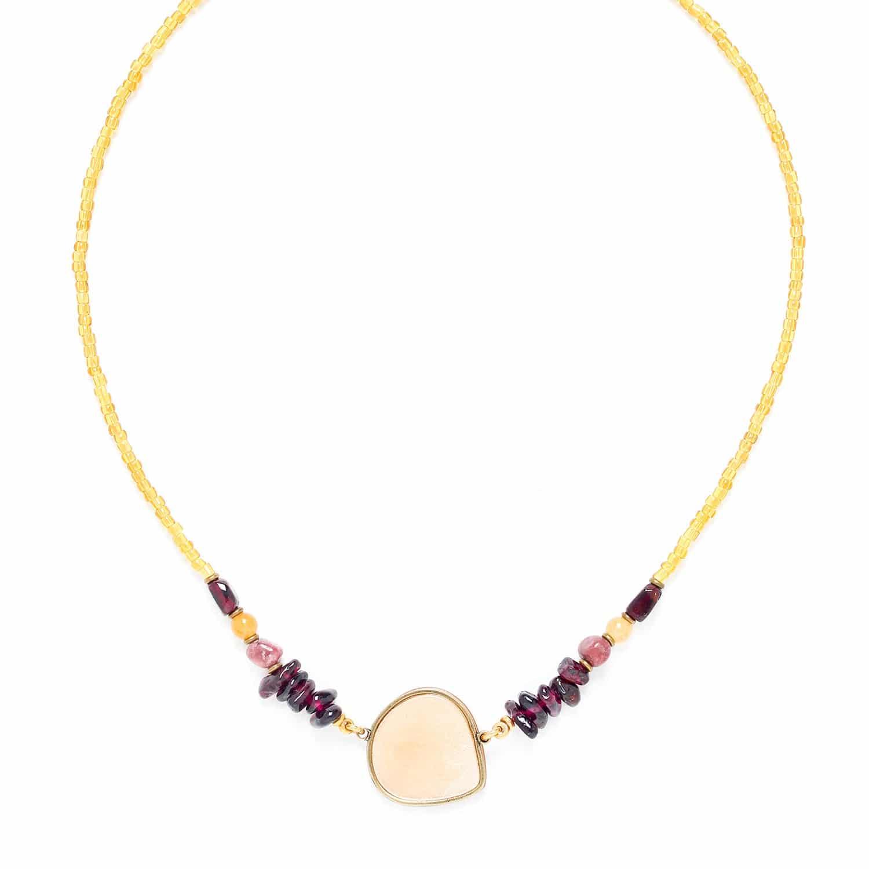 GARDENIA petit collier avec capiz doré et grenat