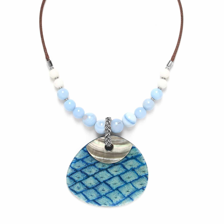 LES CALANQUES  collier calcédoine et calcite avec grand pendant