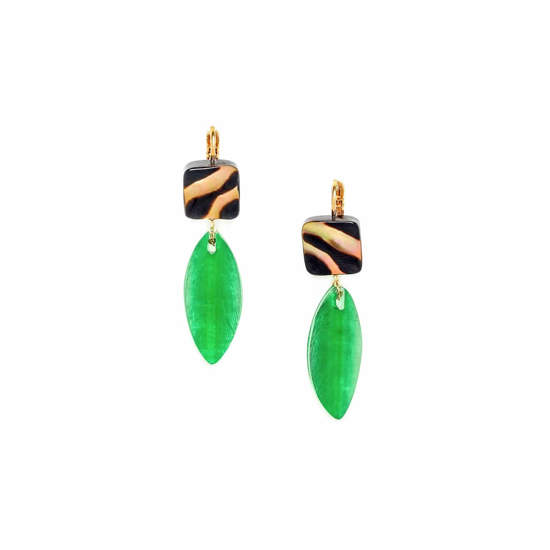 PRECIOUS SAVANNA boucles d'oreilles feuille capiz vert et top nacre brune