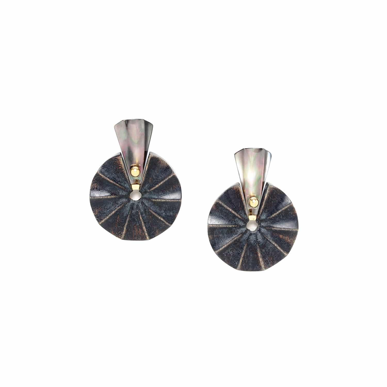 ANDALOUSIE small earrings black lip top