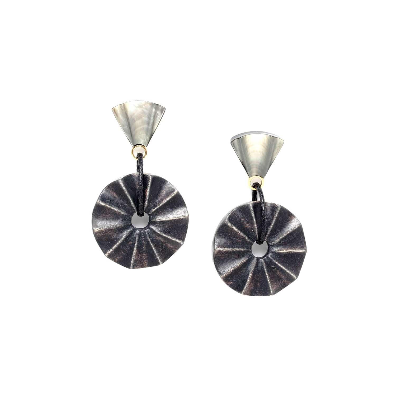 ANDALOUSIE earrings wood and black lip